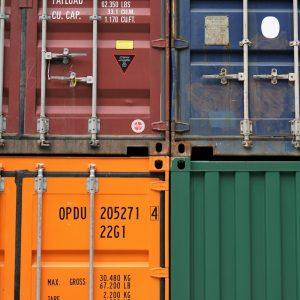 Um die Waren von China nach Deutschland zu bekommen benötigst du Logistik Partner.